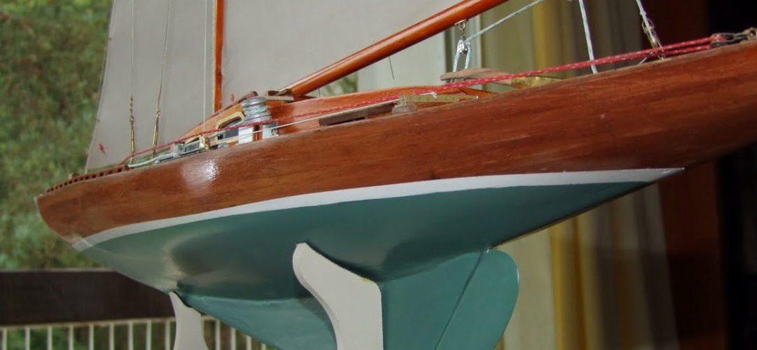 Maquette de Requin – Bateau de plaisance et de régate – Voilier