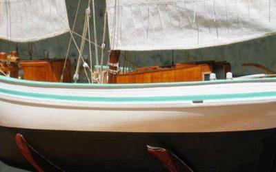 Maquette de Bisquine de Granville – Bateau de pêche ancien à voile – Lougre de pêche à trois-mâts avec voiles au tiers