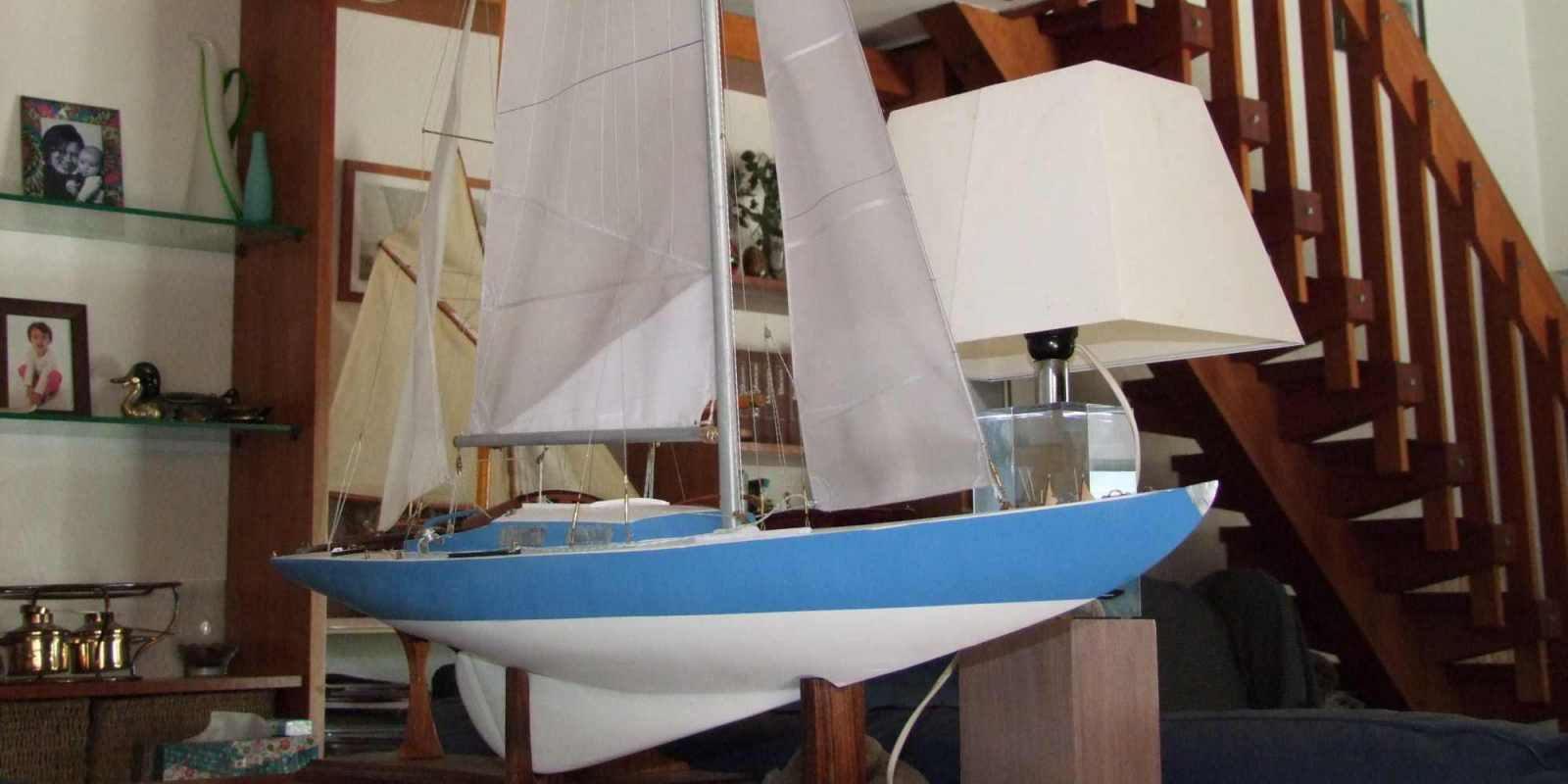 Maquette de Requin Bateau de plaisance et de régate Voilier