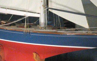 Maquette de Endeavour – Bateau – Yacht classique – Voilier Coupe América classe J – plan CE Nicholson