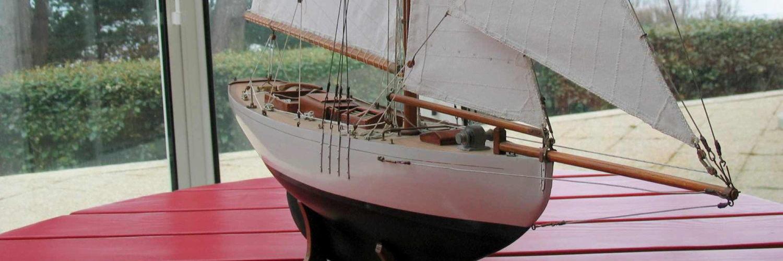 Maquette de bateau Lady Maud Yacht classique Voilier