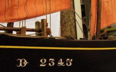 Maquette de Canot sardinier ou chaloupe sardinière de Douarnenez – Bateau de pêche ancien à voile