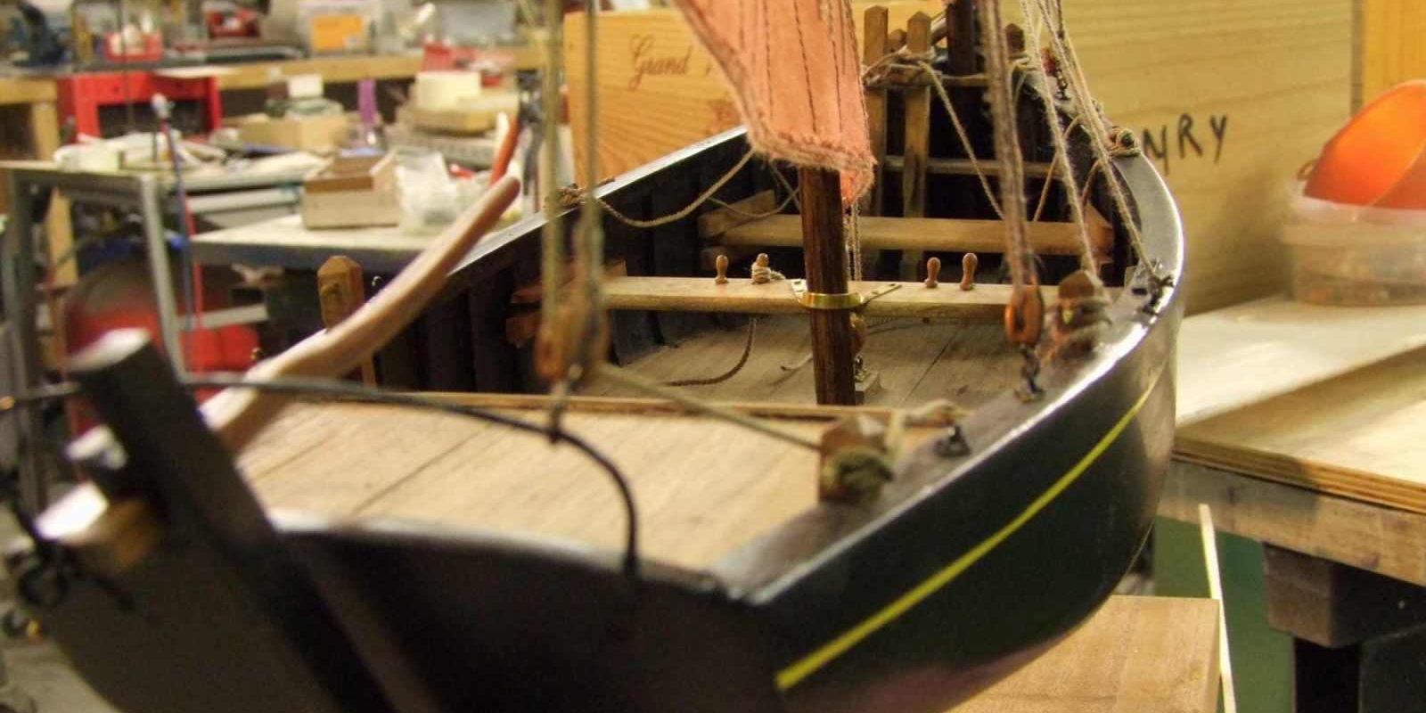 Maquette de Canot sardinier ou Chaloupe sardinière de Douarnenez Bateau de pêche ancien à voile