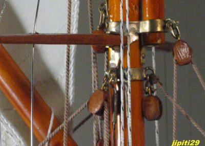 Maquette de bateau de Tabarly Pen Duick Yacht classique voilier Plan William Fife