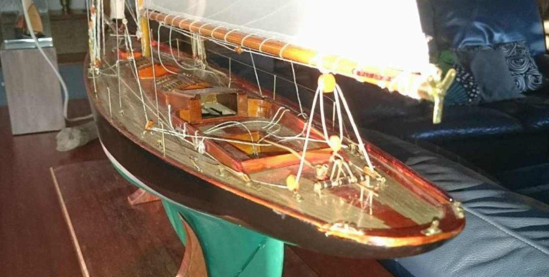 Maquette de Pen Duick – Bateau de Tabarly – Yacht classique – Voilier – Plan William Fife