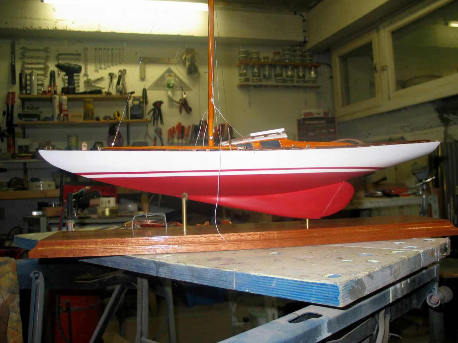 Maquette de voilier requin bateau plaisance et de régate