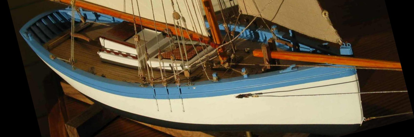 Maquette de bateau Sloop ostréicole du Perthuis Bateau de pêche ancien à voile