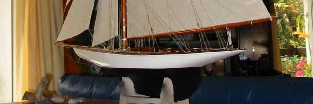 Maquette de voilier Tuiga Yacht classique bateau de classe JI Plan William Fife