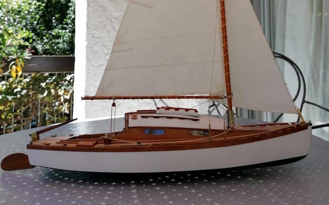 Maquette de Bélouga – Bateau de plaisance – Voilier dériveur croiseur côtier – Sloop – Plan Eugène Cornu