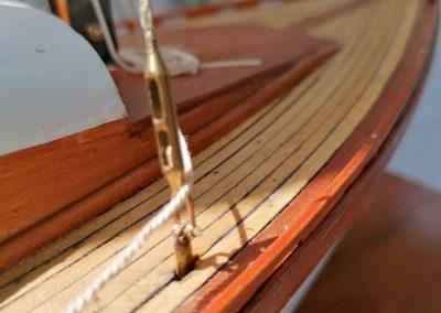 galerie détails, passavant tribord de maquette de Bélouga,bateau de plaisance,voilier croiseur côtier