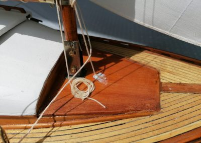 galerie détails, ferrure de pied de mât de maquette de Bélouga,bateau de plaisance,voilier croiseur côtier