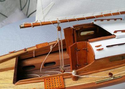 galerie détails, cockpit de maquette de Bélouga,bateau de plaisance,voilier croiseur côtier