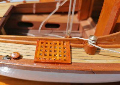 galerie détails, caillebotis de maquette de Bélouga,bateau de plaisance,voilier croiseur côtier