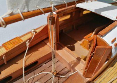 galerie détails, palan d'écoute de maquette de Bélouga,bateau de plaisance,voilier croiseur côtier
