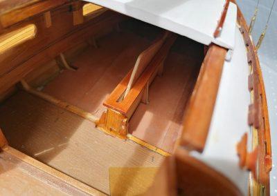 galerie détail, intérieur roof et puits de dérive de maquette de Bélouga,bateau de plaisance,voilier croiseur côtier