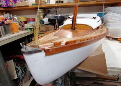 galerie construction, étrave de maquette de Bélouga,bateau de plaisance,voilier croiseur côtier