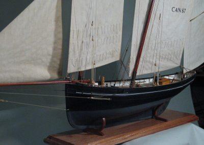 Maquette de Bisquine de Cancale Bateau de pêche ancien à voile